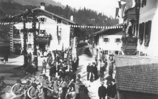 """Ausrückung"" of the music band Maria Alm on the village square"